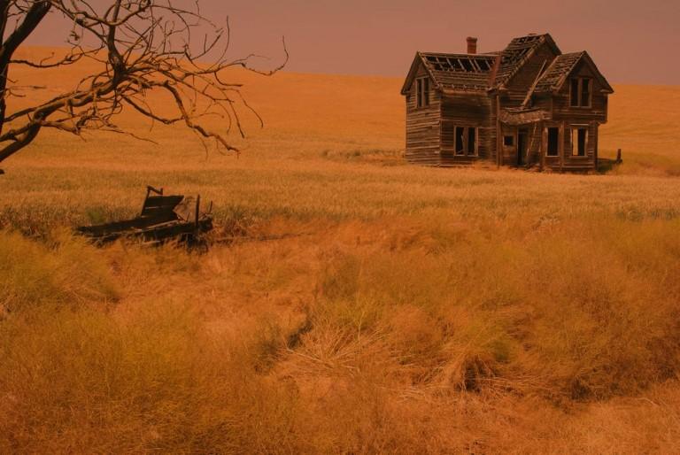 Li kỳ những nhưng lời đồn đoán xung quanh ngôi nhà nằm giữa cánh đồng