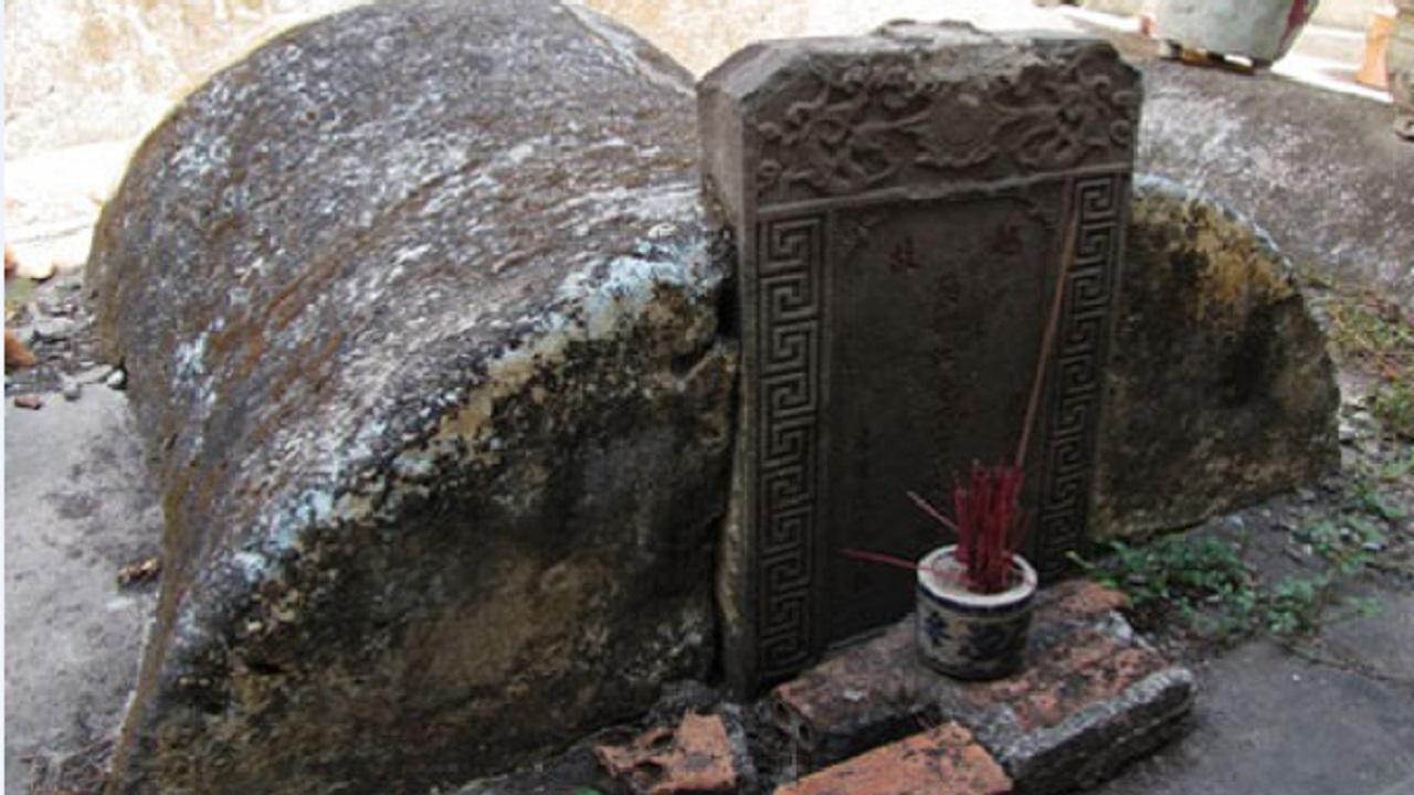 Ngôi mộ cổ và những câu chuyện bí ẩn chưa có lời giải thích