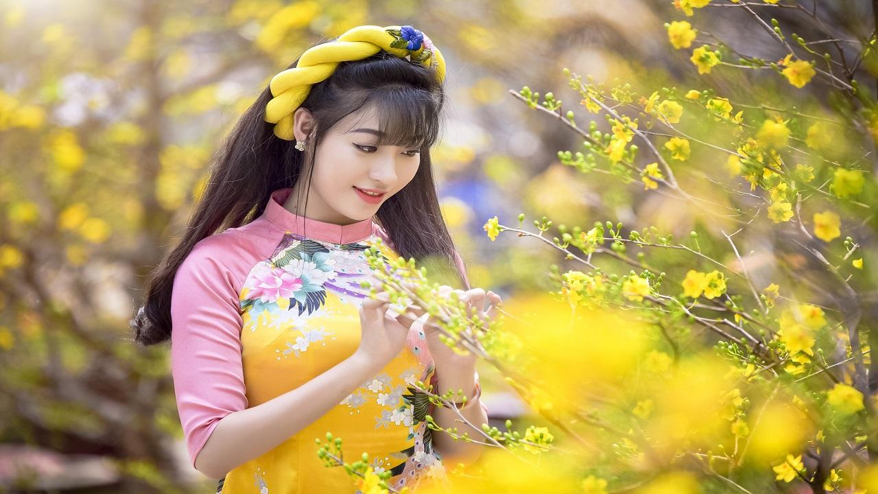 Đan áo mùa xuân