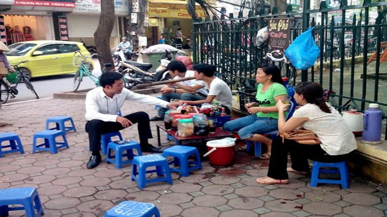 Người đàn ông nổ súng vào nhóm người ngồi quán nước tại Hà Nội