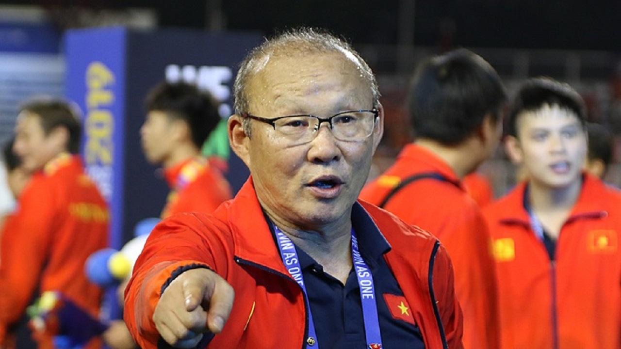 Thầy Park vỡ òa, nhận tin cực vui ngay khi trở về Hàn Quốc