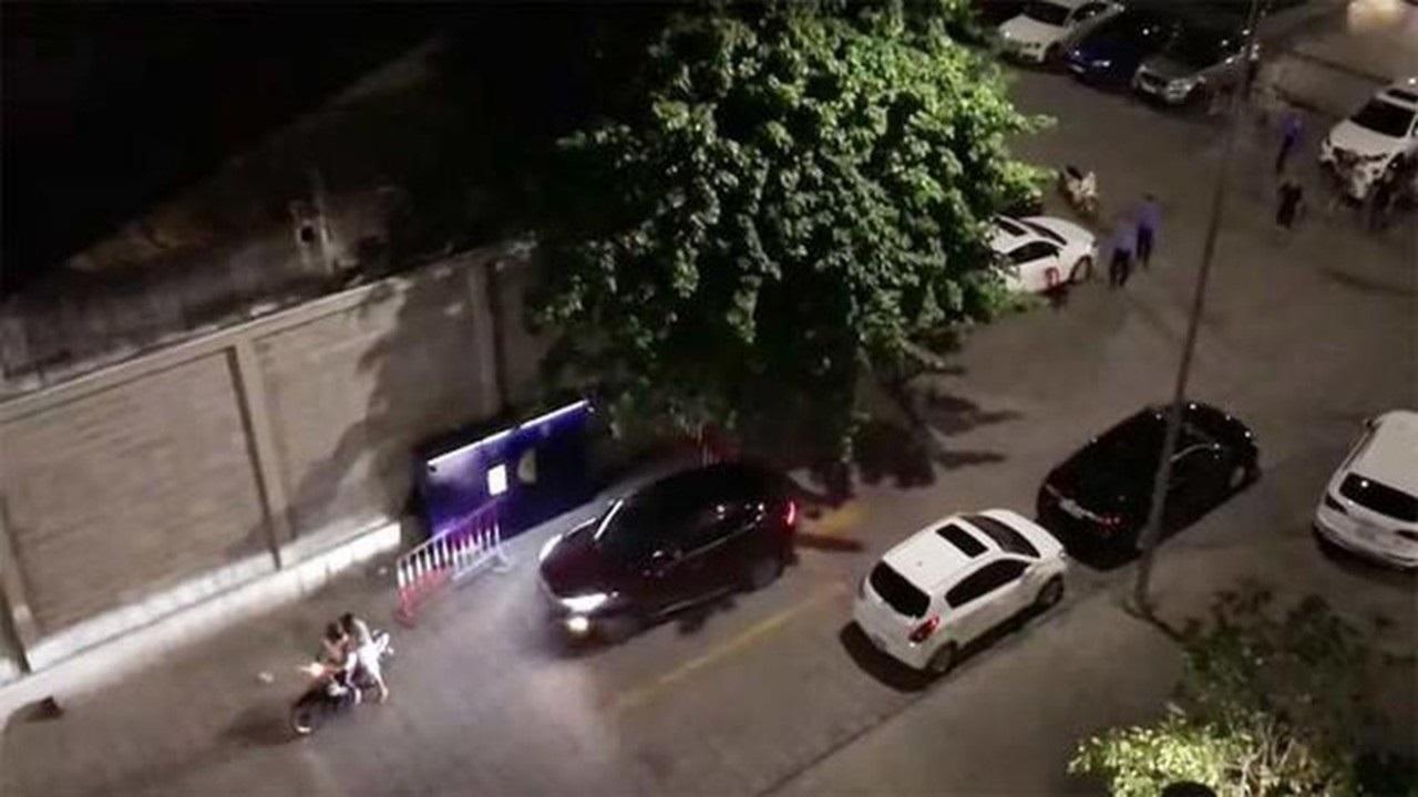 Nhóm thanh niên hỗn chiến phóng ô tô tông thẳng vào nhau ngay giữa thủ đô