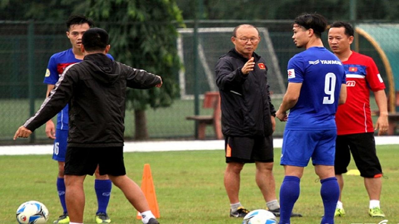 Thể thao 13 08 2020: HLV Park Hang Seo họp khẩn với VFF
