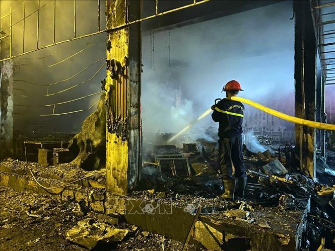 Tin 113 ngày 15/06: Cháy lớn tại phòng trà ở TP Vinh, 6 người tử vong