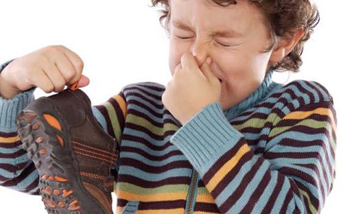 4 bài thuốc trị chững hôi chân