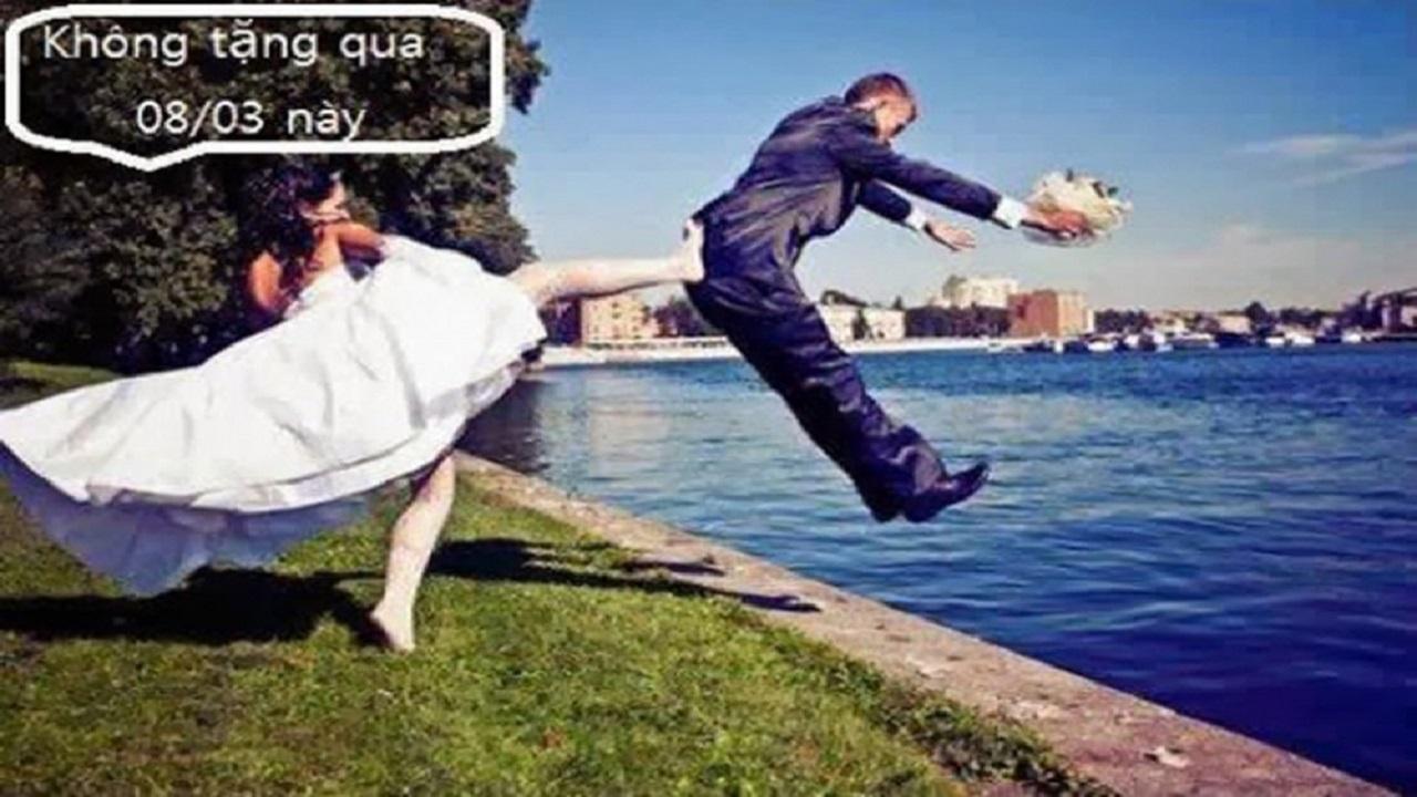 Lý do chồng không tặng hoa cho vợ